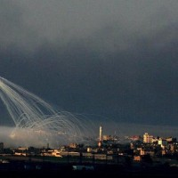 I am not sure if this photo from Gaza is recent, but it seems it's White phosporous